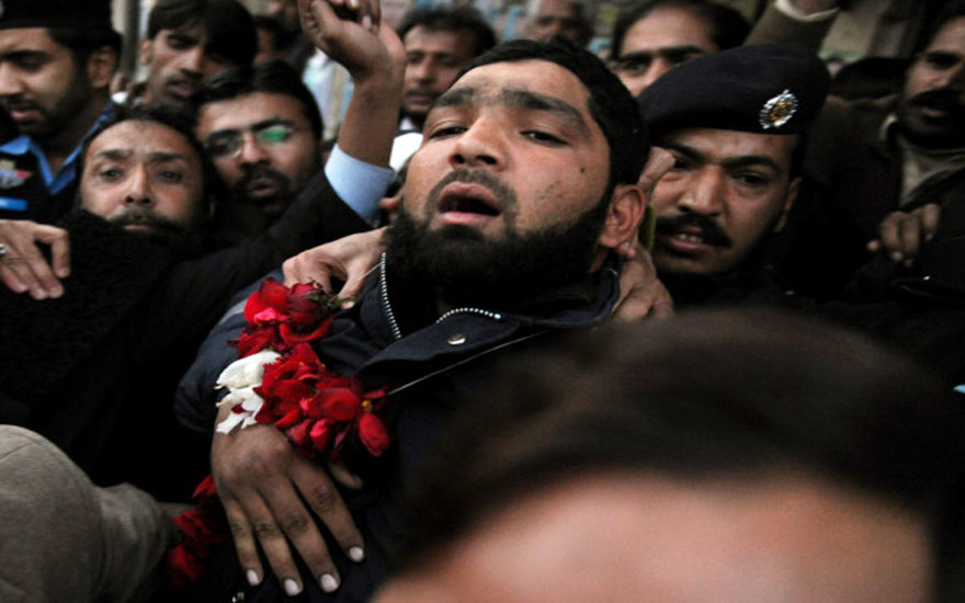 PAKISTAN-UNREST-POLITICS-ASSASSIN-CHARGE