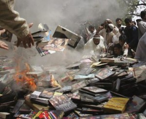 madrassah-lal-masjid-burn-dvds-cds