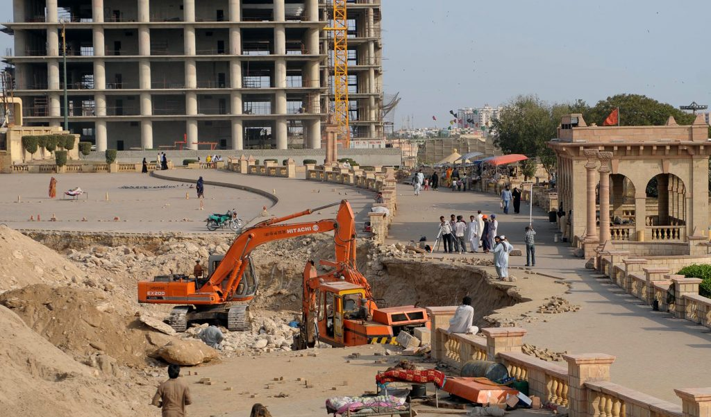 PAKISTAN-RELIGION-HINDUS-CONSTRUCTION