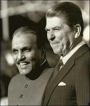 Zia-ul-Haq-Ronald-Reagan