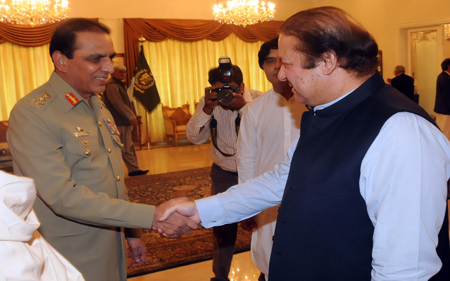Appearances can be deceptive: The general with Nawaz Sharif