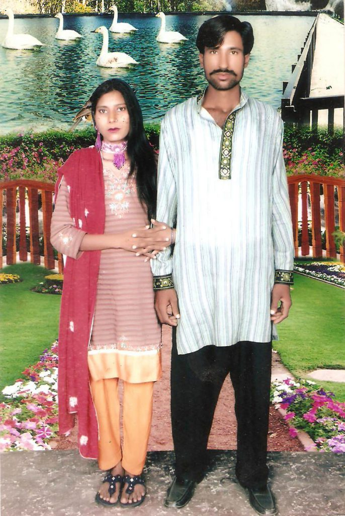 """This undated family handout photo received on November 5, 2014 shows a Christian couple who were killed by a Muslim mob in Kot Radha Kishan, some 60 kilometres (40 miles) southwest of Lahore. An enraged Muslim mob beat a Christian couple to death in Pakistan and burnt their bodies in the brick kiln where they worked on Tuesday for allegedly desecrating a Koran, police said. AFP PHOTO/Family HAND OUT== RESTRICTED TO EDITORIAL USE - MANDATORY CREDIT """"AFP PHOTO / Family HAND OUT"""" - NO MARKETING NO ADVERTISING CAMPAIGNS - DISTRIBUTED AS A SERVICE TO CLIENTS------"""