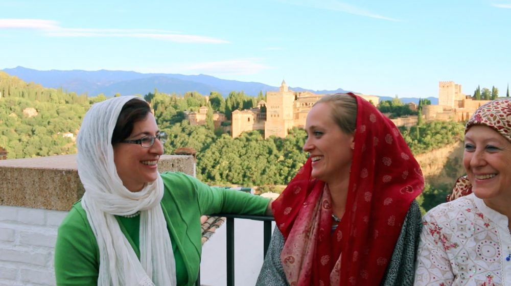 amineh-hoti-interviews-muslim-women-in-front-of-the-alhambra-granada-spain